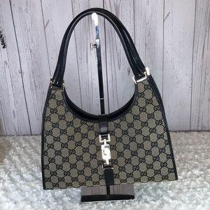 Authentic Gucci schatel Bag